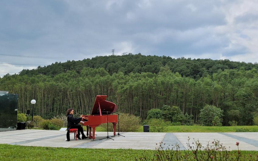 Nghệ sĩ Piano Tuấn Mạnh và Phi Phi đã mang lại sự hoàn hảo cho cảm xúc.