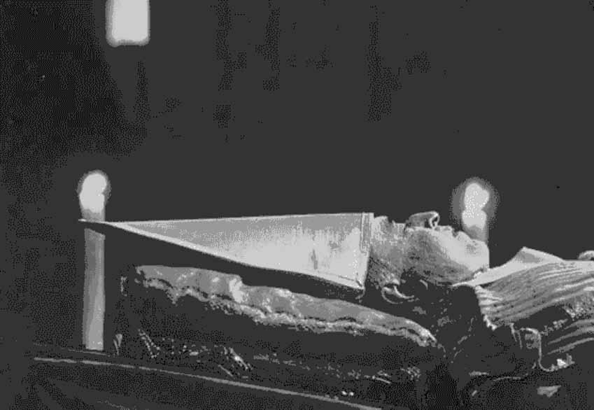 Những sự kiện lịch sử còn đáng sợ hơn phim kinh dị -4