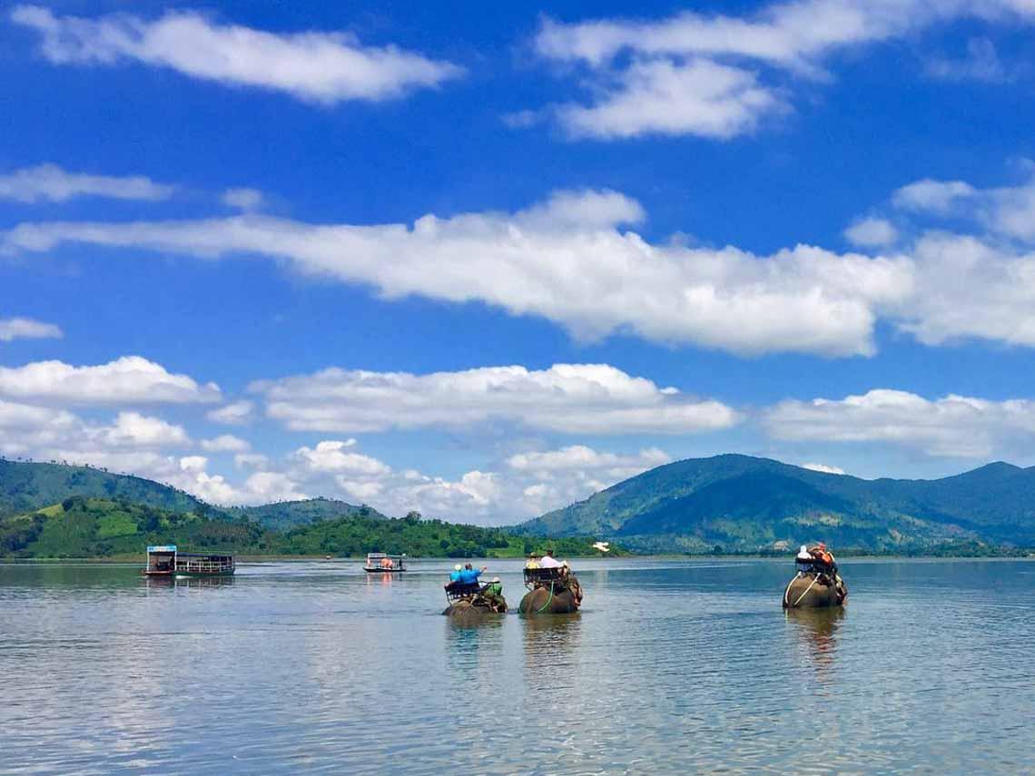 Hồ Lăk – dải lụa óng mềm của đất rừng Tây Nguyên - 21