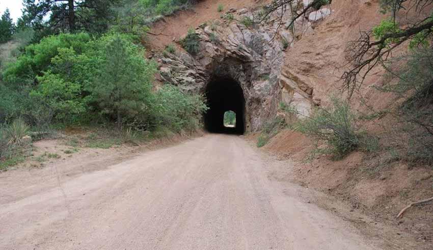 Những đường hầm ma ám với bối cảnh thực sự rùng rợn - 6