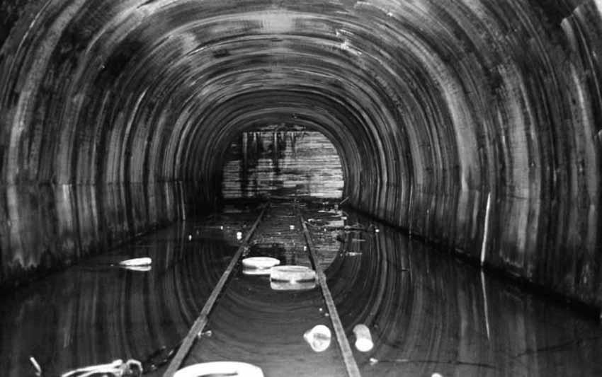 Những đường hầm ma ám với bối cảnh thực sự rùng rợn - 10