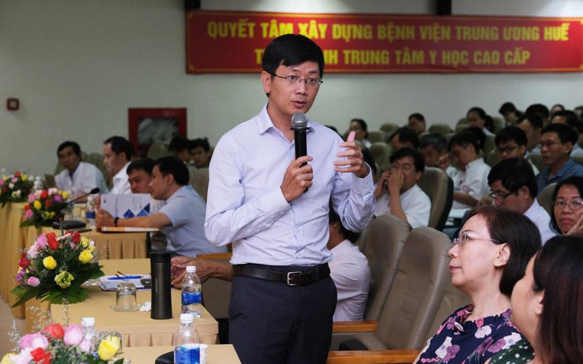 TS Giang Hoa chia sẻ ứng dụng gen mới nhất đến các bệnh viện trên toàn quốc. Ảnh: MGI-GS