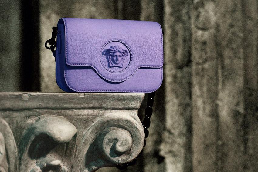 Versace mang đến sự huyền ảo với dòng túi xách SS21 La Medusa-3