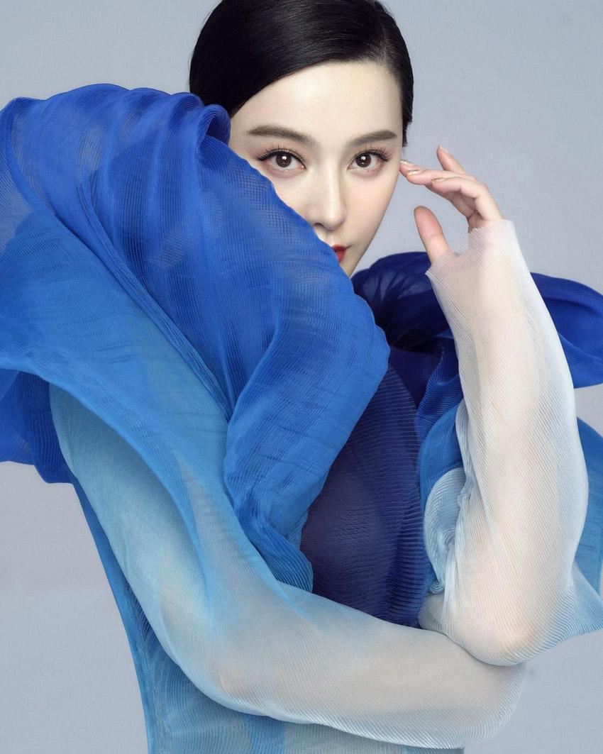 Phạm Băng Băng hoá nàng thơ trong Iris van Herpen Couture Xuân 2021- 2