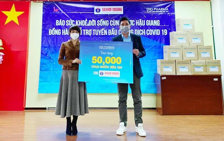 Dược Hậu Giang trao tặng 50.000 chai gel kháng khuẩn đến 3 vùng dịch - 1