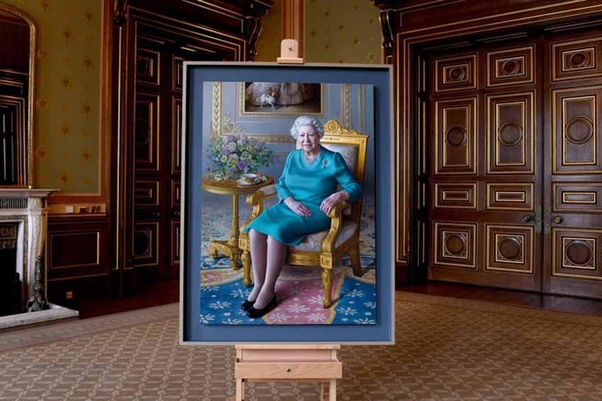 Tôi vẽ chân dung Nữ hoàng Elizabeth II - 3