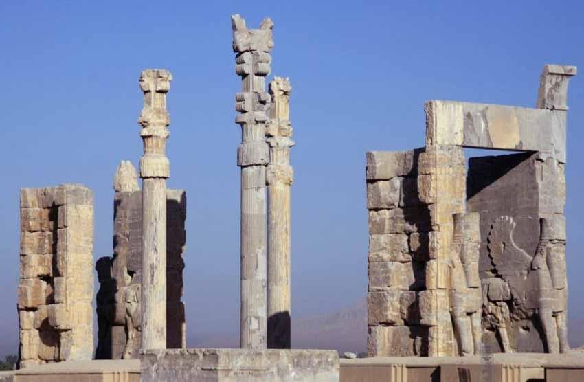 Các pho tượng cổ với những câu chuyện lạ thường - 4