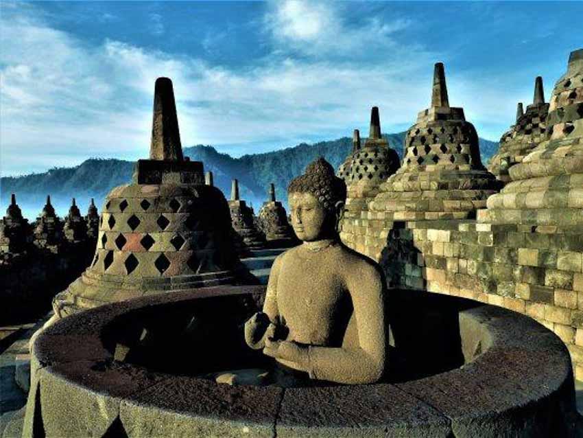 Đến thăm đền thờ núi kỳ vĩ Borobudur - 1