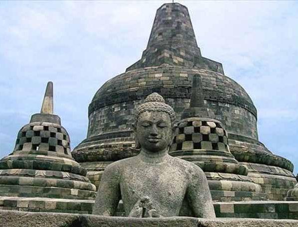 Đến thăm đền thờ núi kỳ vĩ Borobudur - 11