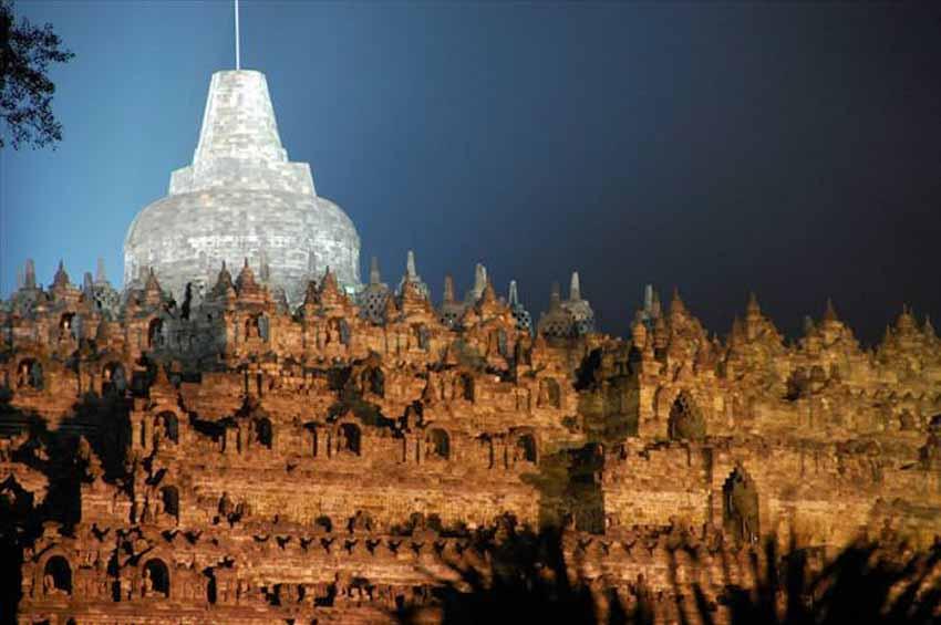 Đến thăm đền thờ núi kỳ vĩ Borobudur - 12