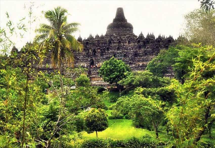 Đến thăm đền thờ núi kỳ vĩ Borobudur - 14