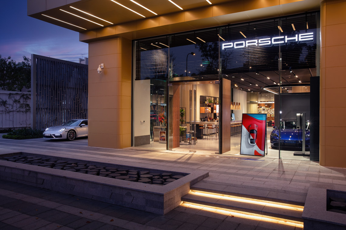 Porsche Studio chính thức ra mắt tại Hà Nội - 1