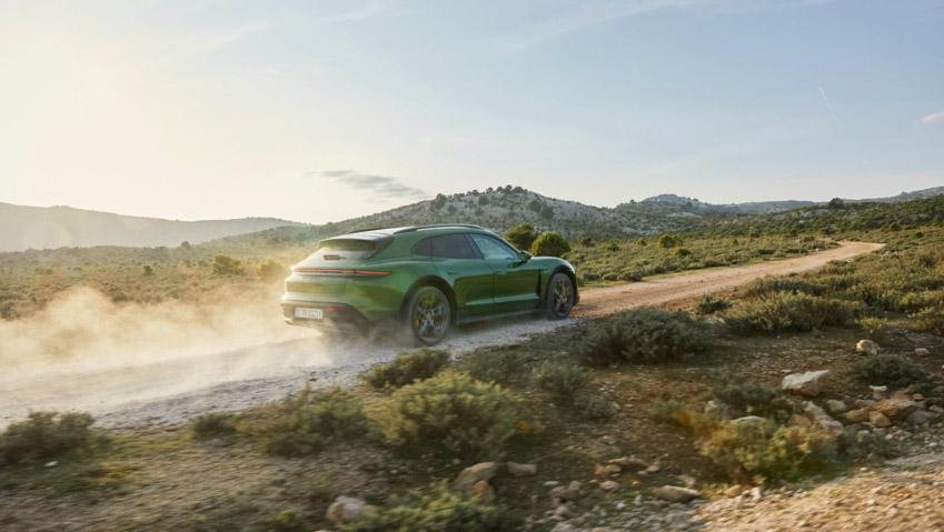 Taycan Cross Turismo - chiếc xe điện thể thao tiếp theo của Porsche - 1