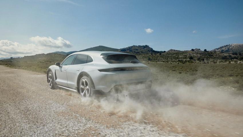 Taycan Cross Turismo - chiếc xe điện thể thao tiếp theo của Porsche - 6