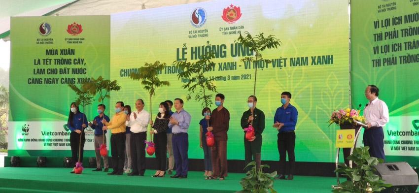 """Toyota Việt Nam cùng Bộ Tài Nguyên & Môi trường phát động Tết trồng cây """"Đời đời nhớ ơn Bác Hồ""""-4"""