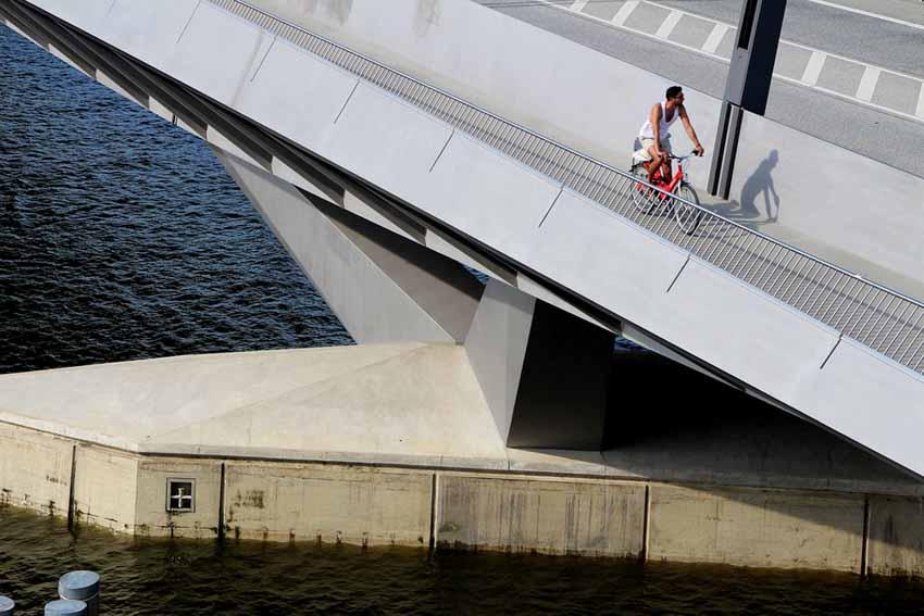 Hamburg, thành phố cầu xinh đẹp - 1