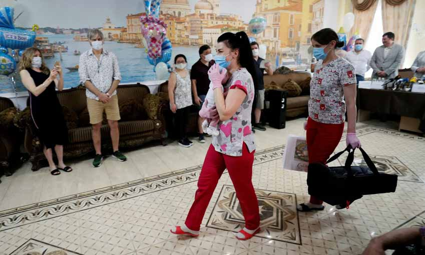 Bùng nổ 'dịch vụ mang thai hộ' ở Ukraine - 7