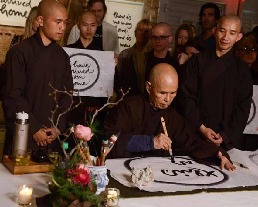 Triển lãm thư pháp và sách 'Hương thơm quê mẹ' của Thiền sư Thích Nhất Hạnh - 2