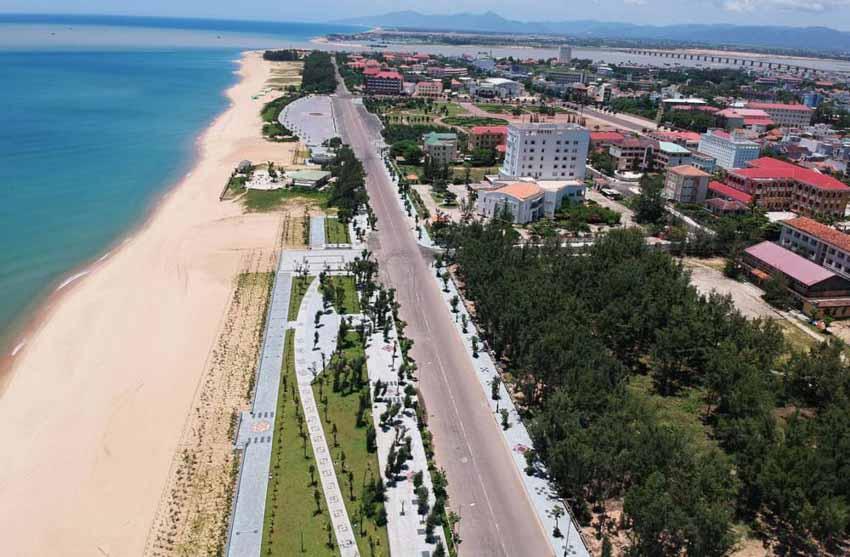 Đô thị đặc thù - Tiến biển bằng đô thị: Nguyễn Phong Việt: Chỉ có biển ở lại… - 2