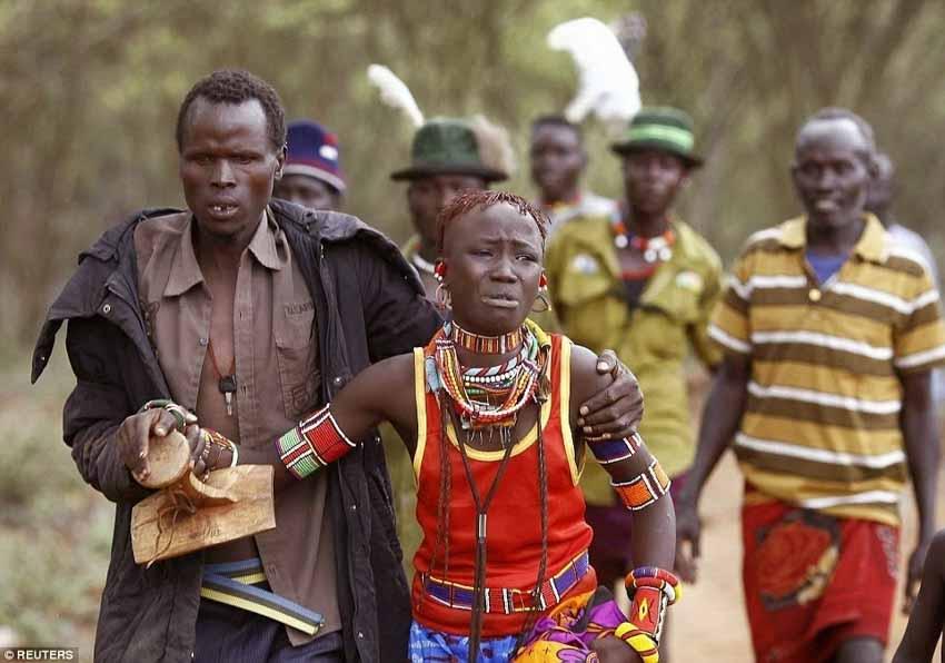 Những tập quán kết hôn kỳ lạ nhất châu Phi - 3