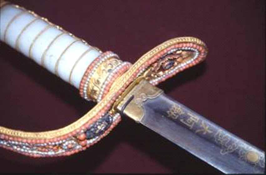 Chuyện về thanh kiếm của vua Gia Long tại bảo tàng ở Paris - 9