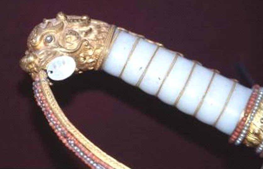 Chuyện về thanh kiếm của vua Gia Long tại bảo tàng ở Paris - 10