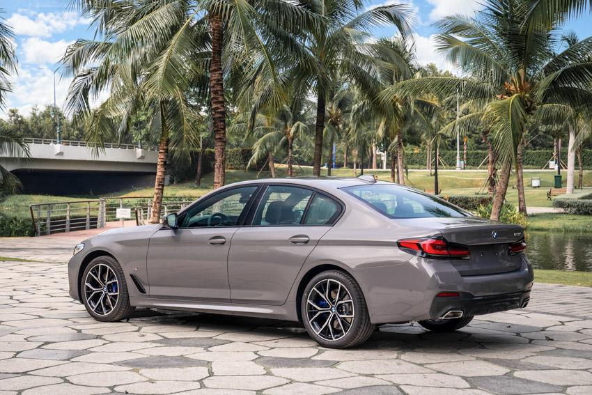 BMW 5-Series 2021 giá từ 2,5 tỷ đồng, đối thủ của Mercedes E-Class-5