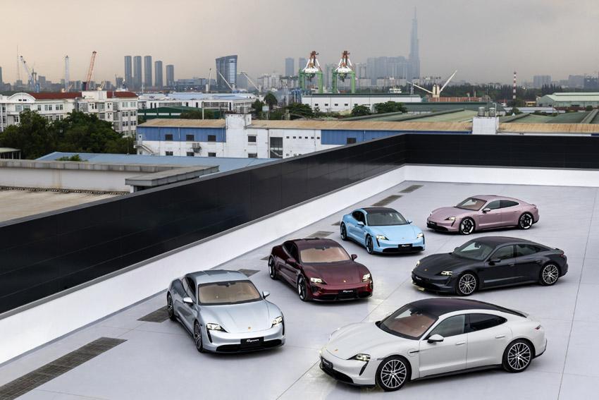Những chiếc Porsche Taycan đầu tiên dòng xe thuần điện được giao đến khách hàng - 3