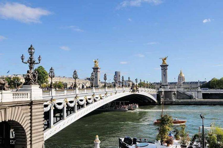 Pont Alxandre III - Cây cầu nghệ thuật nhất Paris - 1