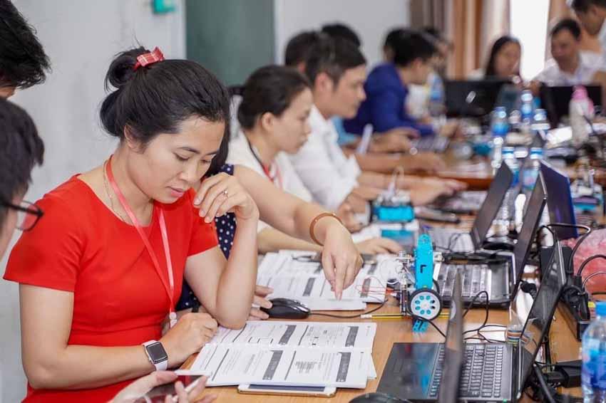 STEAM for Vietnam và VinUni tổ chức khóa học miễn phí về Robotics cho học sinh THPT - 2