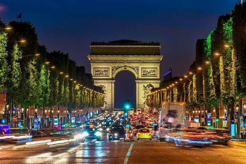 Những đại lộ làm nên tên tuổi các thành phố du lịch thế giới - 5