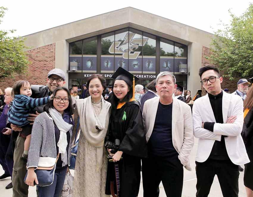 NSND Lê Khanh: 'Nghệ thuật ngang bằng hạnh phúc gia đình' - 4