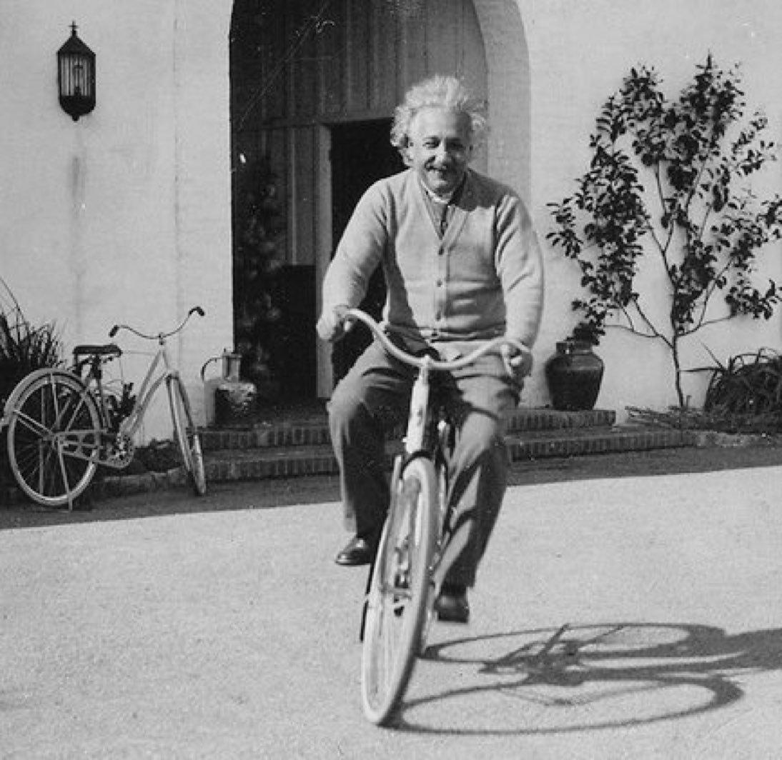 Einstein tại Pasadena