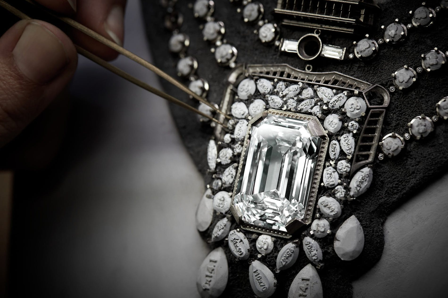 Chanel 55.55 - Sợi dây chuyền kỷ niệm 100 năm biểu tượng-5