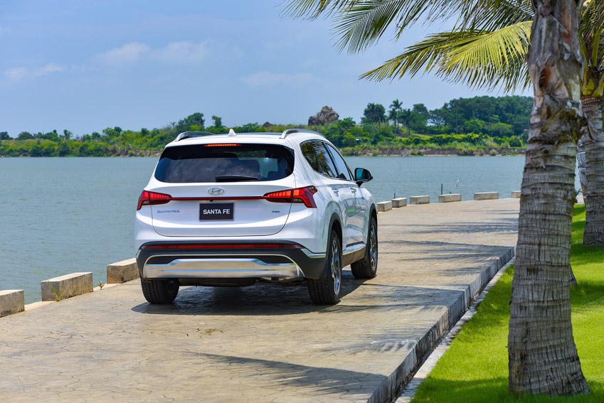 Hyundai Santa Fe 2021 chính thức ra mắt tại Việt Nam với giá bán từ 1.030 triệu đồng - 4