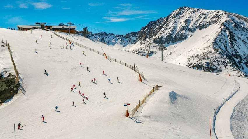 Andorra: Địa danh bí ẩn nhất châu Âu ở dãy Pyrénées - 2