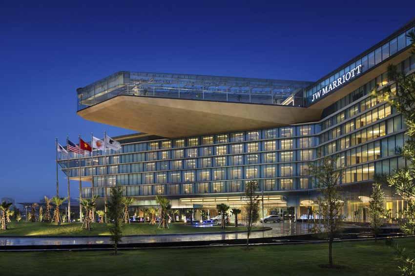 10 khách sạn tốt nhất Việt Nam năm 2021 - 1