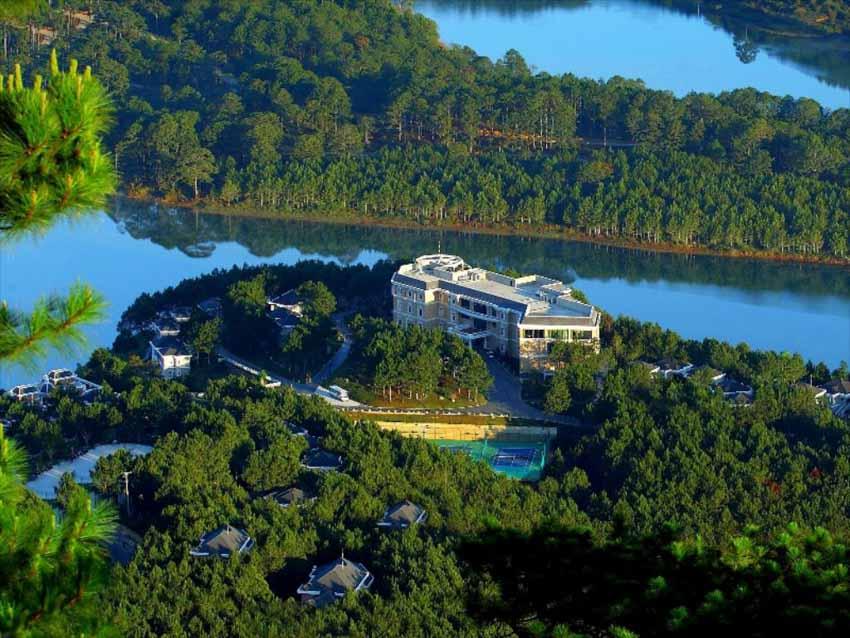 10 khách sạn tốt nhất Việt Nam năm 2021 - 2