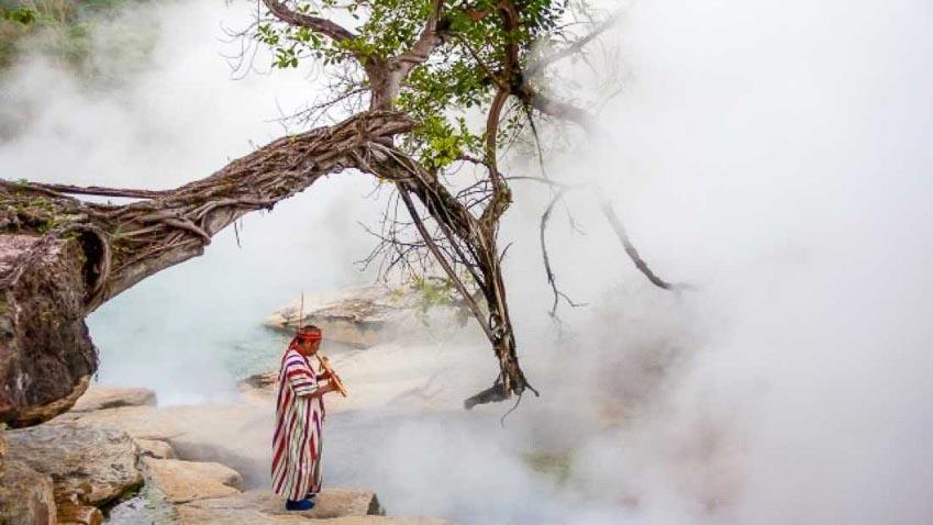 Dòng sông nước sôi 97oC trong rừng mưa Amazon - 1