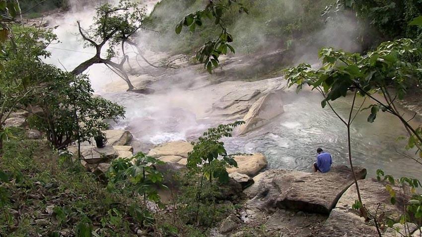 Dòng sông nước sôi 97oC trong rừng mưa Amazon - 9