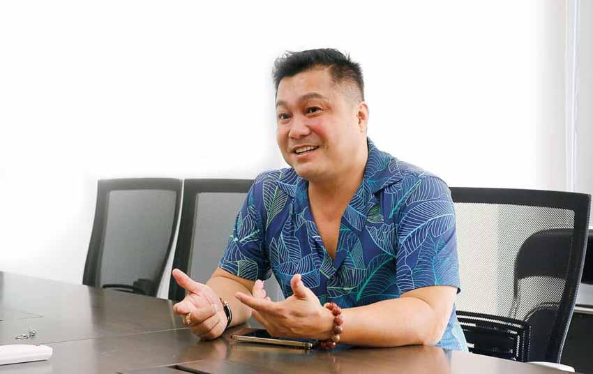 Diễn viên Lý Hùng: 'Nền tảng gia đình giúp tôi tránh xa mọi scandal' - 1