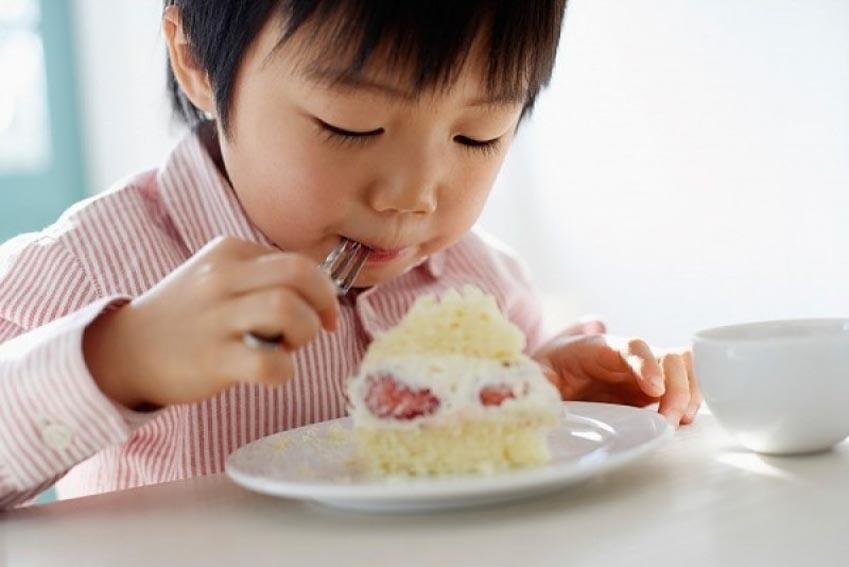 11 nguyên tắc vàng để hướng dẫn trẻ ăn uống lành mạnh - 1
