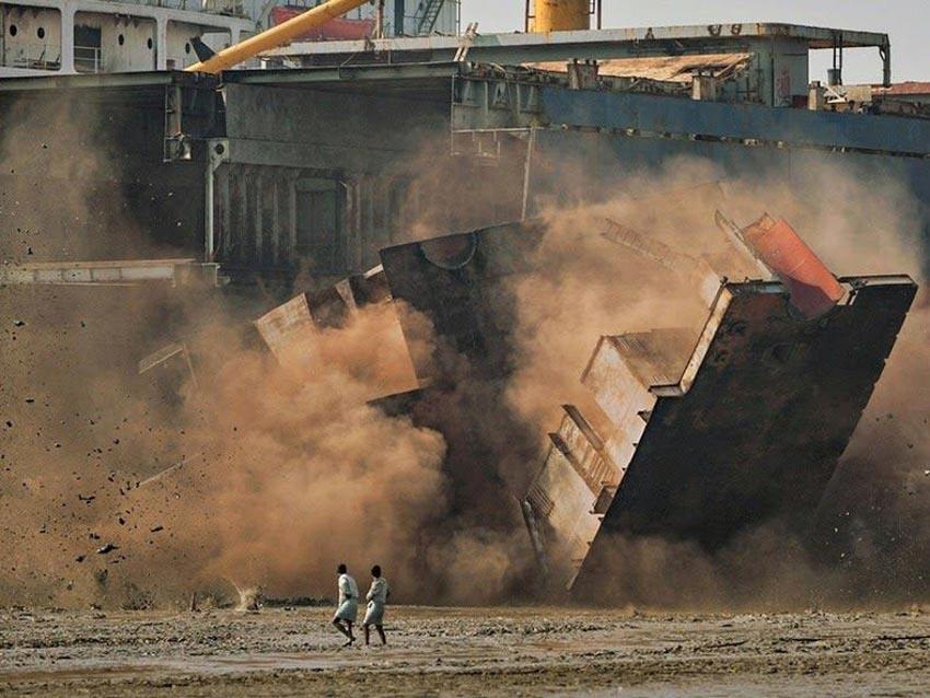 'Địa ngục kiếm cơm' trong 'nghĩa địa tàu thuyền Chittagong' - 5