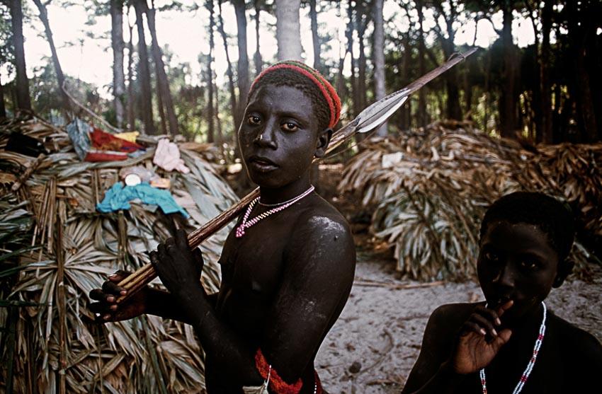 Những bộ tộc vẫn giữ nếp sống từ thời nguyên thủy - 2