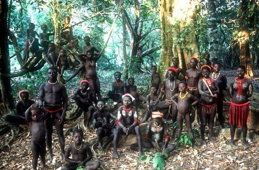 Những bộ tộc vẫn giữ nếp sống từ thời nguyên thủy - 3