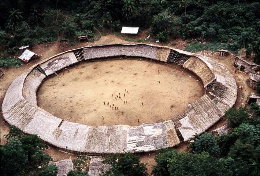 Những bộ tộc vẫn giữ nếp sống từ thời nguyên thủy - 5