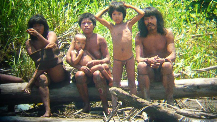 Những bộ tộc vẫn giữ nếp sống từ thời nguyên thủy - 8
