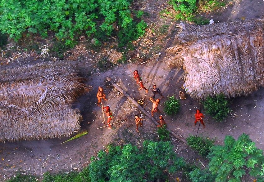 Những bộ tộc vẫn giữ nếp sống từ thời nguyên thủy - 12