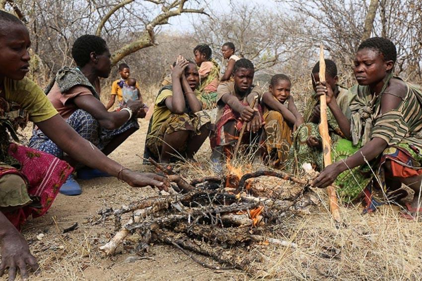 Những bộ tộc vẫn giữ nếp sống từ thời nguyên thủy - 18