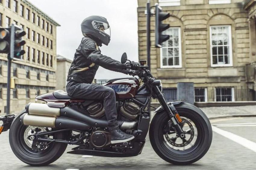 2021-Harley-Davidson-Sportster-S-1
